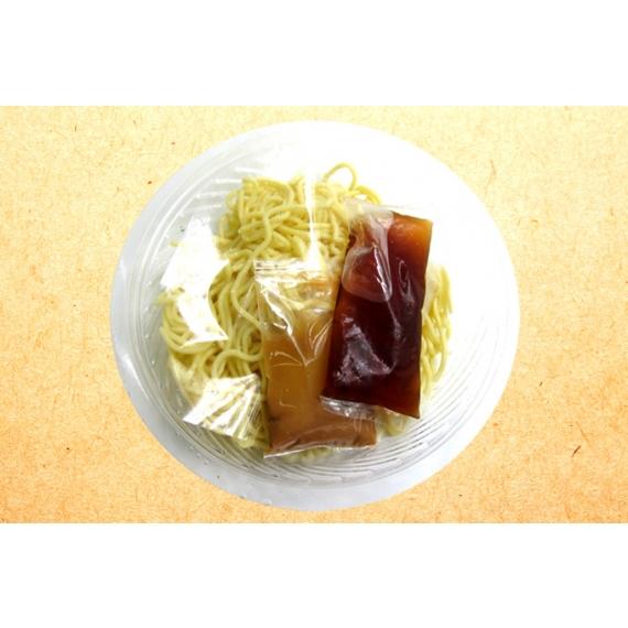 麵條Q彈,拌入濃郁麻醬,香濃好滋味!