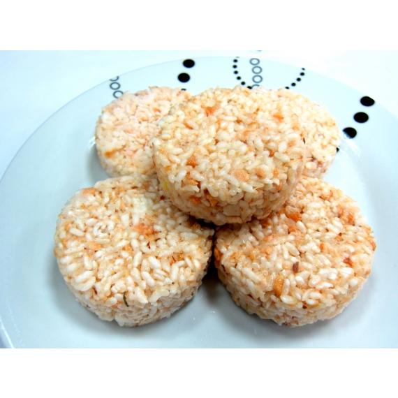 使用在地100%台灣米,搭配奶油鮭魚,讓您自由變化想要的內餡