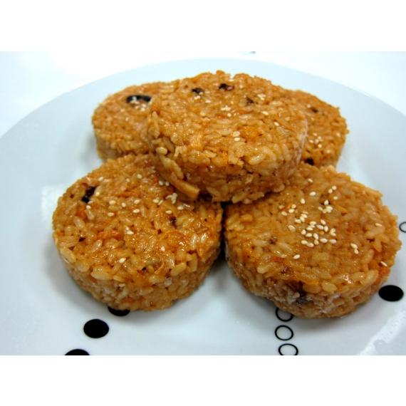 使用在地100%台灣米,搭配香菇干貝,讓您自由變化想要的內餡